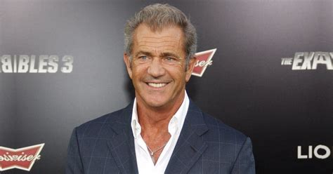 Mel Gibson Biography - Childhood, Life Achievements & Timeline