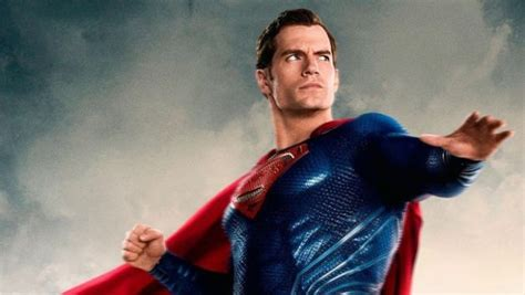 Justice League's Henry Cavill Shows Off Superman Physique