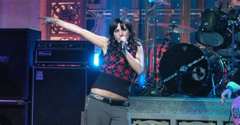 Forget Mariah's miming fail – relive Ashlee Simpson's SNL