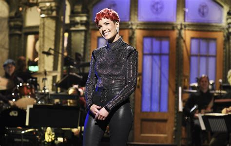 Watch Halsey host, perform, and act on 'Saturday Night Live'